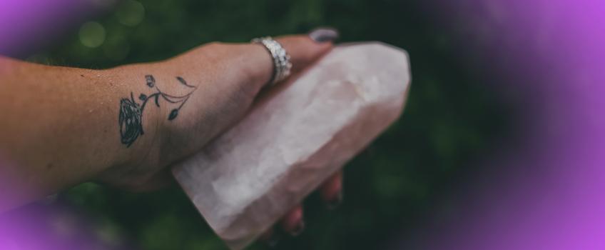cristal-quartzo-rosa-pedra-do-amor